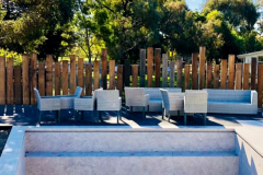 Clinton-Ford-Spotted-Gum-Sleeper-Pool-Fence-IMG_6375-1-e1552128482447