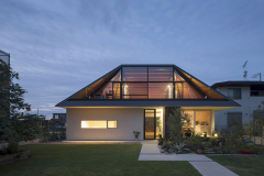 modern-hip-roof-style-house