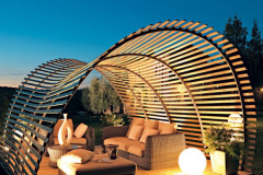 A-fascinating-twist-to-the-traditional-pergola-design